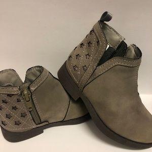 Oshkosh taupe ankle boots  size 7